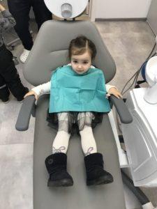Лечение зубов у детей. Прием десткого стоматолога